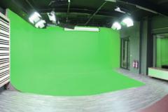 Photo & Greenkey studio in Antwerp with Studio lights,  Green screen / blue screen and Softboxes