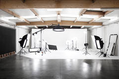 Photo studio Ghent in Other-in-be with Infinity wall,  Tabletop  and Stereo system