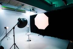 Fotostudio Apeldoorn  in Other-in-nl with Blackout / total black,  Backgrounds and Infinity wall