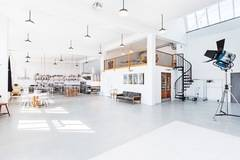 Large daylight studio  in Stockholm with Daylight / total white,  Backgrounds and Infinity wall