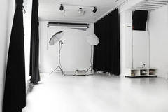 Photo studio  | Fotostudio in Oslo with Blackout / total black,  Softboxes  and Reflectors