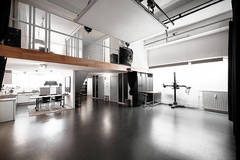 Rental Studio Photography / Video  Amsterdam North in Amsterdam with Poly boards,  Ceiling rail system and Stereo system