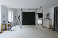 Milan Photo Studio / Sala posa | Noleggio studio fotografico in Milan with Make-up area ,  Dressing room and Clothes rail
