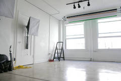 Photo/Film Studio - Fully Equipped in Los-angeles with Studio lights,  Daylight / total white and Blackout / total black