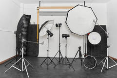 Photo studio in Madrid with Backgrounds,  Softboxes  and Reflectors