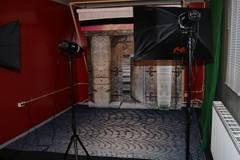 Fotostudio te huur nabij Emmen (Drenthe) in Other-in-nl with Studio lights,  Blackout / total black and Backgrounds