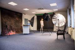 Goed geoutilleerde en ruime fotostudio in Other-in-nl with Daylight / total white,  Blackout / total black and Backgrounds