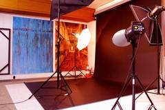 Photo studio for Rent in Paris with Studio lights,  Studio assistant / crew and Blackout / total black
