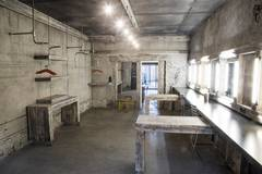 Big industrial studio with a lot of different decors.  in Other-in-nl with Daylight / total white,  Backgrounds and Stereo system