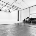 3000 sq foot photo studio - $75/hr in New-york with Daylight / total white,  Blackout / total black and Backgrounds