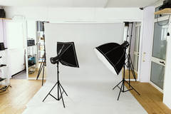 Photography Studio Rental in Milan with Studio assistant / crew,  Daylight / total white and Backgrounds