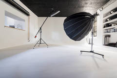 Noleggio studio Foto - Video in Other-in-it with Light stands,  Tabletop  and Stereo system