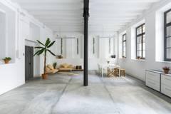 Espacio creativo / White creative space in Barcelona with Daylight / total white,  Monitor and Furniture
