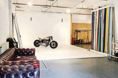 East London Photo studio for hire - from £180 per day !! in London with Backgrounds,  Infinity wall and Green screen / blue screen