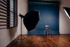 Photo studio - Natural Light - Central in London with Daylight / total white,  Backgrounds and Softboxes