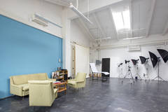 Photo studio Florence in Other-in-it with Stereo system ,  Make-up area  and Dressing room