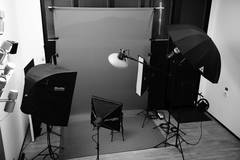 Photo Studio Milan Bovisa MM3 Dergano in Milan with Studio assistant / crew,  Blackout / total black and Backgrounds
